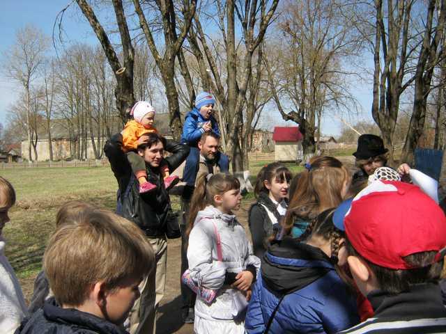 Скворцы Прилетели в Полотняный